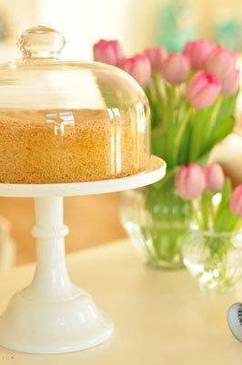 Верх пирога можно украсить фруктами