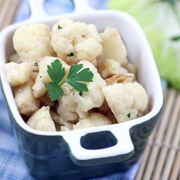 Для сохранения витаминов рекомендуется капусту готовить на пару