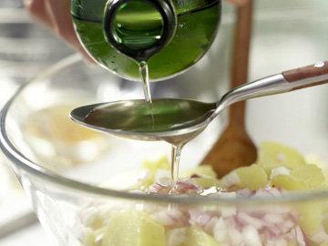 Добавить масло растительное