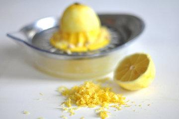 Цедра и сок лимона