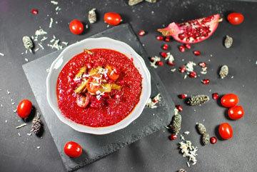 Вкусный суп из овощей готовится из сезонных продуктов