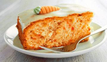 Сочный морковный торт с орехами