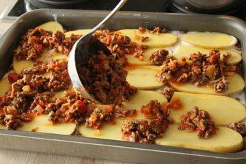 Приготовление лазаньи из картофеля совсем несложно