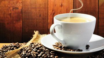 Кофейные зерна слегка обжарить