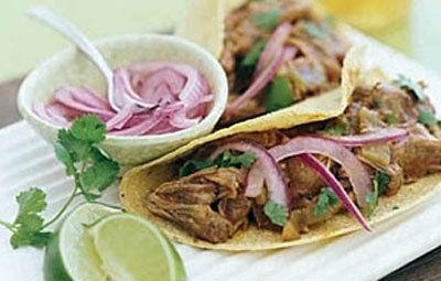 Мясной салат со свининой