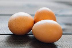 3 яйца