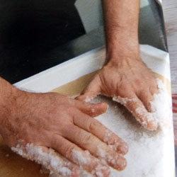 Готовим курицу в соли 6