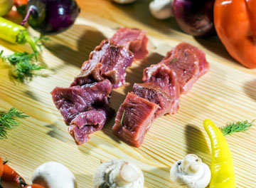 Мясо нарезать кусками