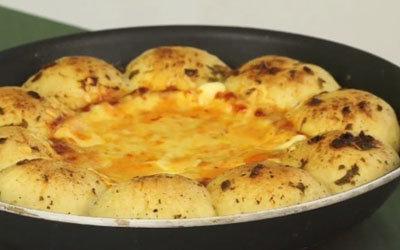 Пицца подается горячей