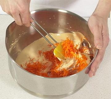 3. Добавить морковь и перемешать