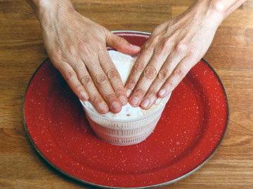 Рецепт домашнего сыра. Шаг 12