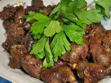 Рецепт куриных сердечек с соусом