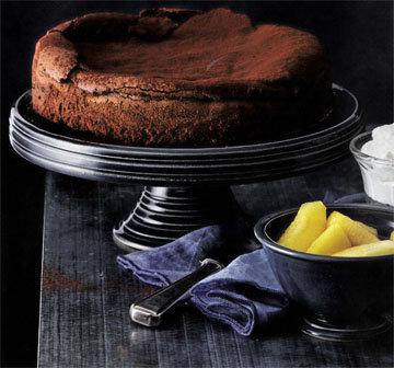 2. Шоколадный торт с яблоками