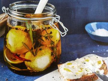 Сырные шарики в ароматном масле