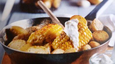 Жареный картофель на сковородке