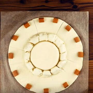 Сырное фондю с колбасками 7