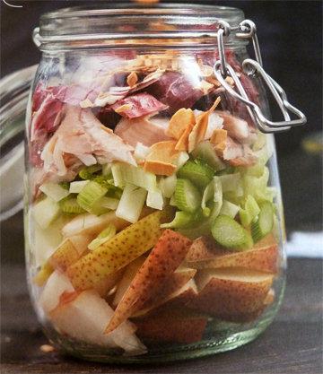 2. Салат с копченой форелью