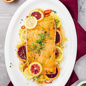 Основное блюдо запеченная рыба в меду