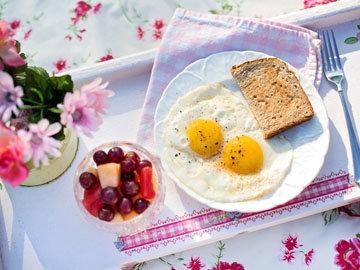 Глазунья - красавица (форма яйца)