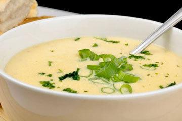 Чесночный суп с сыром пармезаном