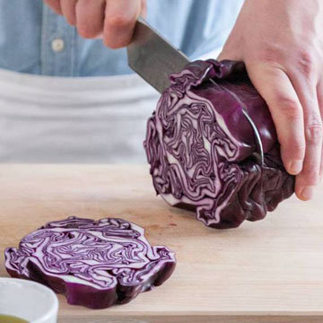 Запеченные стейки из красной капусты с козьим сыром 1