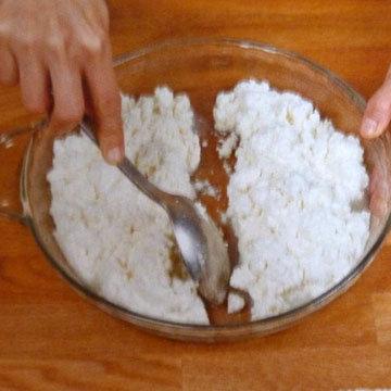 Как сделать сыр Burrata и Stracciatella. Шаг 12