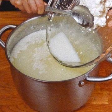 Как сделать сыр Burrata и Stracciatella. Шаг 15