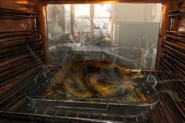 3. Поджарить фаршированного гуся в духовке