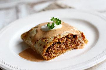 Пикантные венгерские блины с мясом