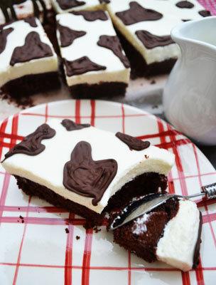 Пирог шоколадный, рецепт с молочным кремом - идеальный десерт