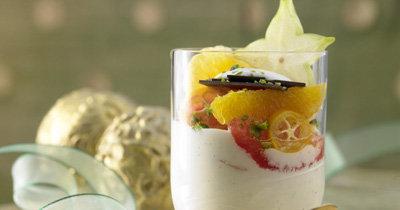 Рецепты на Новый год. Рецепт фруктового салата с йогуртом и цитрусовыми