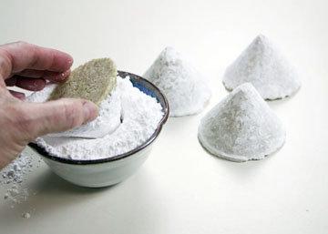 Мордашки обмакнуть в сахарную пудру