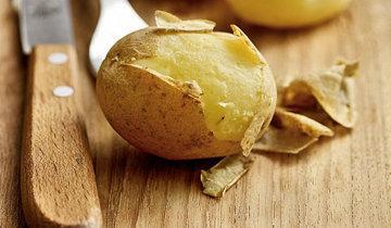 Конечно, с кожурой можно готовить картофель - но лучше только молодой