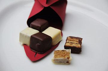 Упакуйте красиво кубики - и готов вкусный подарок