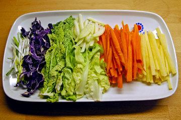 Овощи oчистить и нарезать