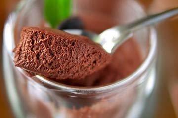 Вот и готов шоколадный мусс - без яиц, без сливок, без алкоголя, без молочных продуктов, без муки