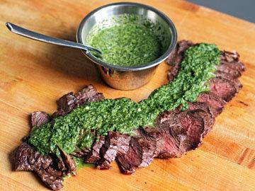 Чимичурри - соус к мясу на гриле подходит идеально