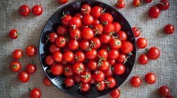 200 г помидоров
