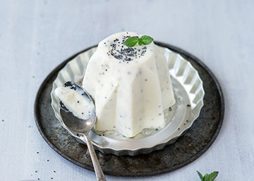 Маковое мороженое дома