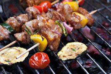 Мясо гриль и соус
