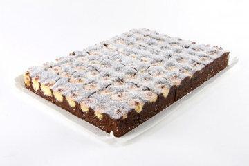 Оформление тортов. Торт с творожными шариками