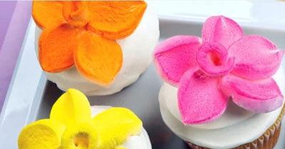 Украшаем выпечку цветами из маршмеллоу