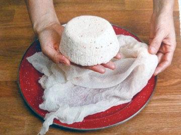 Рецепт домашнего сыра. Шаг 14