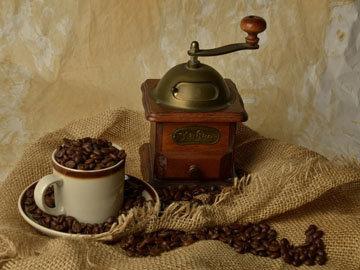 Смолоть кофе