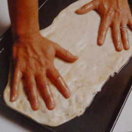 по кусочку теста растянуть руками