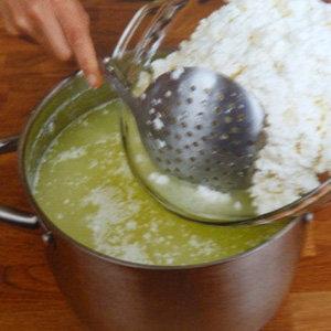 Кулинарный мастер класс Рецепт домашнего сыра с перцем. Шаг 9