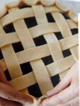 Пирог пай со сладкой начинкой (ягоды черники) 13