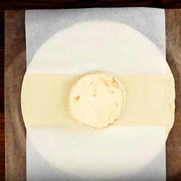 Сырное фондю с колбасками 2