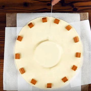 Сырное фондю с колбасками 4