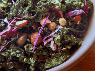 Салат с капустой кале
